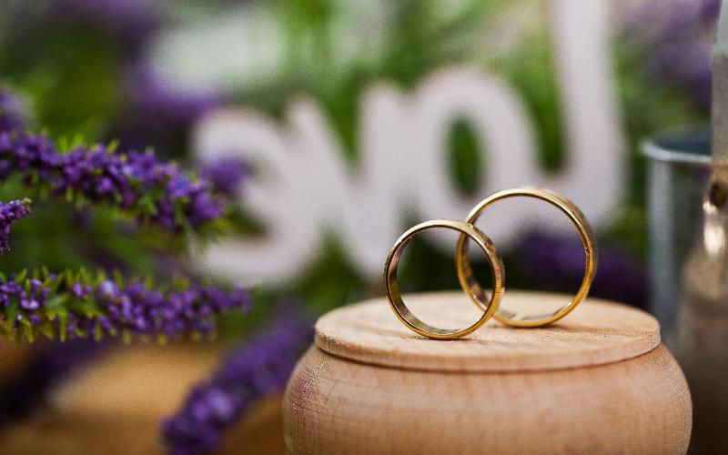 結婚指輪はクリーニングできる?方法や頻度についてご紹介