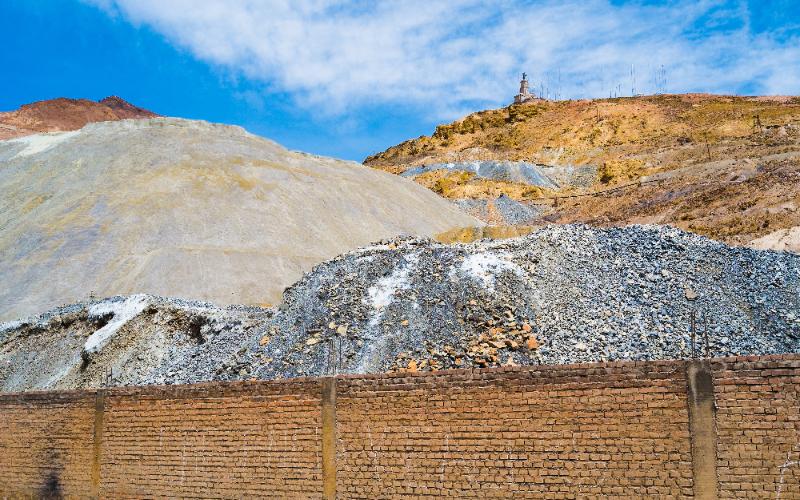 銀の採掘場