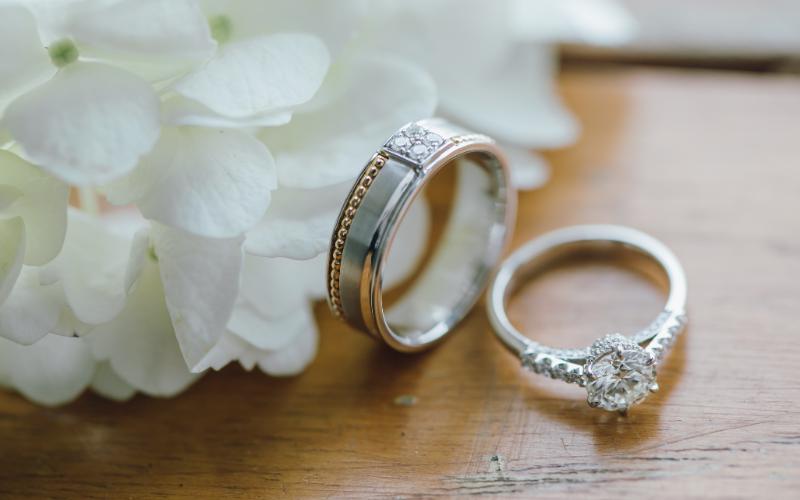 婚約指輪や結婚指輪の日本と海外の違い