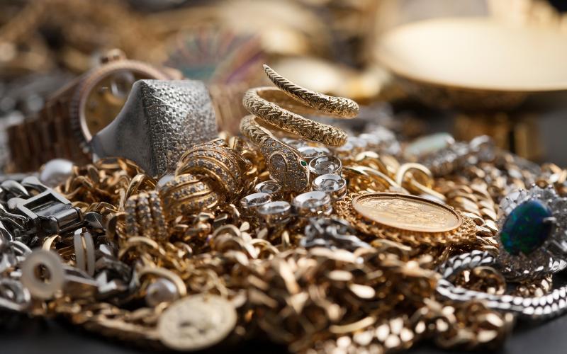 使わなくなった指輪、ネックレス、コイン